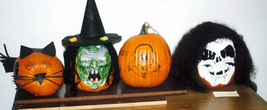 TyRex Photo: Pumpkin Decorating